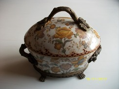 Trés Belle Bonbonnière - Ceramica & Terraglie