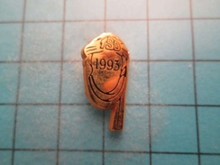 Pin513b Pin's Pins /  RALLYE PARIS DAKAR TSO 1993 TOUAREG   , Belle Qualité !!!    Marquage Au Dos : ----- - Rallye