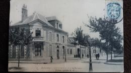 CPA NEVERS NIEVRE GENDARMERIE ET AVENUE MARCEAU  ED NG   1905 - Nevers