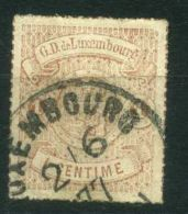 LUXEMBOURG  (  POSTE  ) : Y&T N°  16  TIMBRE  TRES  BIEN OBLITERE , A  VOIR . - 1859-1880 Wappen & Heraldik