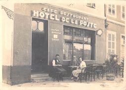 Photographie -Photo Originale  A Identifier ? HOTEL DE LA POSTE Café Restaurant PHOTO  Format 17.5 X 12.5 Cms - A Identifier