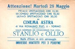 "8 ""CINEMA ASTRA - TORINO - CARTONC. D'INGR. GRATUITO PER TRE PERSONE"" FOGLIO PUBBLIC. ORIG. - Tickets D'entrée"