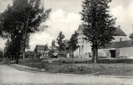 BELGIQUE - NAMUR - EGHEZEE - BRANCHON - Place Et école Des Filles. - Eghezée