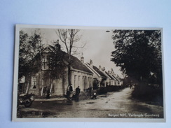 Bergen (NH) Verlengde Geestweg (geanimeerd) Gelopen 1950 Uitg.foto Adr.Schoen - Paesi Bassi