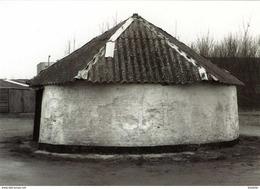 BREDENE (W.Vl.) - Molen/moulin - De Ronde, Stenen Rosmolen Van De Vicognehoeve In 1984 Voor De Renovatie - Bredene