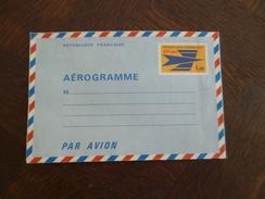 Réunion Rare Aérogramme Entier  Neuf  57 Francs CFA Sur 1.15 Franc - Reunion Island (1852-1975)