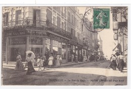 Calvados - Trouville - La Rue De Paris Maison Lefebvre Fils Ainé - Trouville
