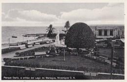 Post Card :  Managua   (Nicaragua)  Parque Ruben  Darlo, A Orillas Del  Lago       Editor ?? - Nicaragua