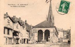 AIRVAULT  -  Les Halles Et Le Clocher - Airvault