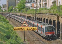 Automotrices MI 84 RATP Du RER, à Bois-Colombes (92) - - France