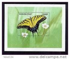 BURKINA FASO  1111  MINT NEVER HINGED SOUVENIR SHEET OF BUTTERFLIES - Vlinders
