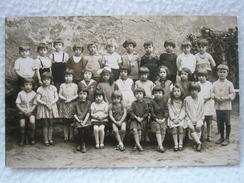 Carte Postale Photo D'un Groupe D'Enfants, Photo Scolaire Du Photographe A. DEMIERRE A LYON - Groupes D'enfants & Familles
