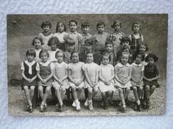 Carte Postale Photo D'un Groupe Scolaire D'Enfant à L'Ecole Du Photographe A. DEMIERRE à Lyon - Lyon
