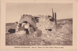 Bk - Cpa Missions Esquimaudes - Mission De La Petite Thérèse : Maison De Neige - Missions