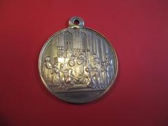 Médaille Religieuse Ancienne/Premiere Communion/ Gravée/ Précieux Souvenir Si Vous êtes Fidèle/Argent/ 1869        CAN28 - Religión & Esoterismo