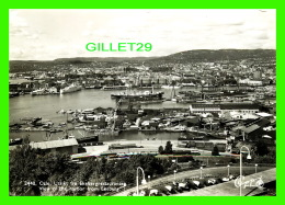OSLO, NORVÈGE - UTSIKT FRA EKEBERGRESTAURANTEG - VIEW OF THE HARBOR FROM EKEBERG - ANIMATED WITH SHIPS - TRAVEL IN 1958 - Norvège