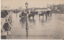 Paris La Grande Crue De La Seine ( Janvier 1910) - 92 - Charbonnier Embourbé à L'esplanade Des Invalides - ND Phot - Inondations De 1910