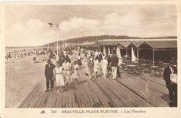 3-743-DEAUVILLE-PLAGEFLEURIE-LESPLANCHES(MOLTO ANIMATA) - Deauville