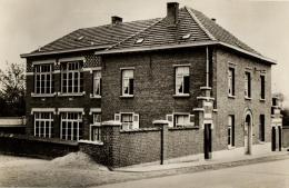 BELGIQUE - BRABANT FLAMAND - GOOIK - LEERBEEK - Gemeenthuis En School. (maison Communale Et école). - Gooik