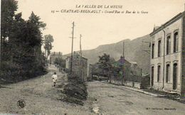 CPA - CHATEAU-REGNAULT (08) - Aspect De La Grand'Rue Et De La Rue De La Gare Dans Les Années 20 - France