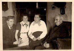 Photo Originale Famille Allemande En 1943 - Personnes Anonymes