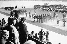 WW2  -  Défilé Des Chantiers De Jeunesse Devant Le Maréchal Pétain En 1941 - 1939-45