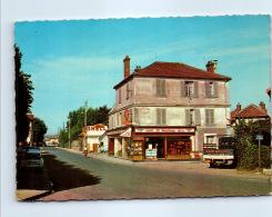 77 COMBS LA VILLE - La Rue De Quincy  Et La Place - Combs La Ville