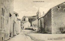 CPA - VADONVILLE (55) - Aspect Du Quartier De L'Eglise En 1915 - Plaques émaillées Chicorée Arlatte - Chocolat Meunier - France