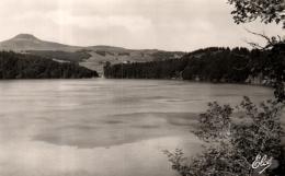 B 1407 - Le Lac Pavin  (63) - France