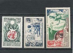 TOGO Scott B11, 347, C18 Yvert  254, 275, PA21 (3) *VLH Cote 9,60$ - Togo (1914-1960)