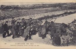 CAMPAGNE DE 1914 Infanterie Française Tirant Derrière Un Mur ( Militaire Fusil ) - Guerre 1914-18