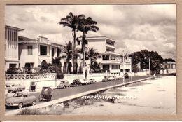 MADAGASCAR - TAMATAVE - CARTE PHOTO - ECOLE ST , SAINT JOSEPH - AUTOMOBILE , CITROËN 2 CV , PANHARD PL17, SIMCA RENAULT - Madagascar