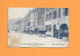 CPA 12 ESPALION - UNE VUE SUR LA ROUTE DE RODEZ PRISE DEVANT L HOTEL DE FRANCE - VOITURES A VOLONTE - - Espalion