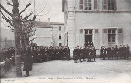 38)  VIENNE - Ecole Supérieure De Filles  - Terrasse - Vienne