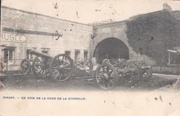 Dinant Un Coin De La Cour De La Citadelle - Dinant