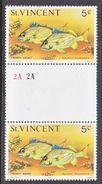 ST. VINCENT  411    **   GUTTER  PAIR   OCEAN  FISH - St.Vincent (...-1979)