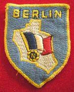 PATCH FORCES FRANCAISES A BERLIN - Ecussons Tissu