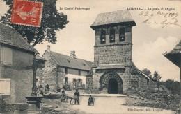 G133 - 15 - LOUPIAC - Cantal - La Place Et L'Église - Autres Communes