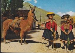 PERU' - PISAQ - RAGAZZE CON LAMA - VIAGGIATA FRANCOBOLLO ASPORTATO - Perù