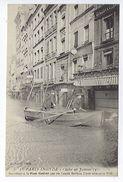 CPA Paris Inondé Sauvetage à La Place Maubert Par Les Canots Berthon N° 37 Noyer - Inondations De 1910