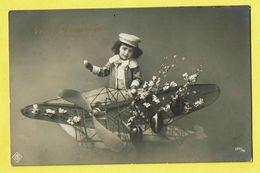 * Vliegtuig - Avion - Plane - Flugzeug * (2847/48) Fantaisie, Fantasy, Paques, Easter, Egg, Oeuf, Enfant, Photo, TOP - Aerei