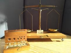 Ancienne Balance Trébuchet.35 X 32 Cm - Jewels & Clocks