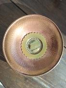 Ancienne Assiette En Cuivre Poinçonnée. Dinant. Bietlot - Coppers