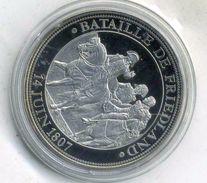 Médaille Comemo,napoléon Bonaparte...BATAILLE DE FRIEDLAND ,(très Bon état Les Trace Sont Dû A Mon Scann.) - Royal / Of Nobility