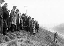 REAL Photo / Belgium / Belgique / Roi Albert I / Koning Albert I / 1933 / Albertkanaal / Canal Albert - Célébrités