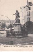 Cp , 42 , ROANNE (en 1903) , La Statue De La Paix Sur La Place D'Armes - Roanne