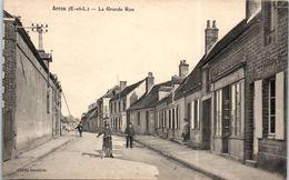 28 - ARROU -- La Grande Rue - France