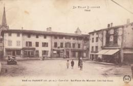 CPA - Bas En Basset - La Place Du Marché Côté Sud Ouest - Frankreich