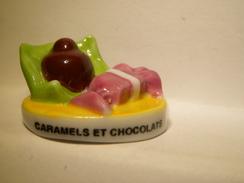 Fève.Gâteau, Caramel Et Chocolat .  Fèves, Fève Ancienne.   (TPL4.2) - Fèves