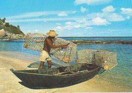"""Seychelles        H7        Pêcheurs , Sa Pirogue Et """" Casiras """" - Seychelles"""